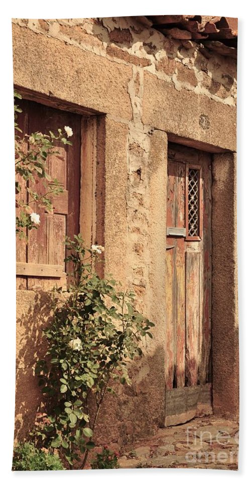 Castelo Rodrigo Beach Towel featuring the photograph 2 Rua Da Tapada by Csilla Florida
