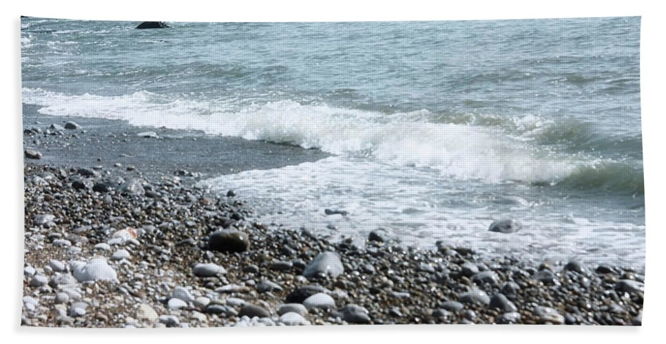 Sea And Rocks Beach Towel featuring the photograph Seaside by Frances Lewis