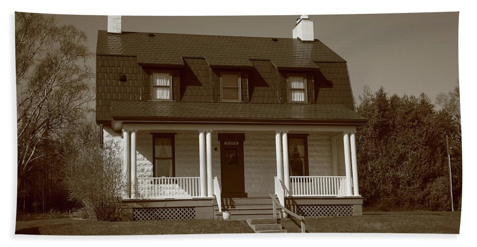 America Beach Towel featuring the photograph Keeper's House - Presque Isle Light Michigan by Frank Romeo