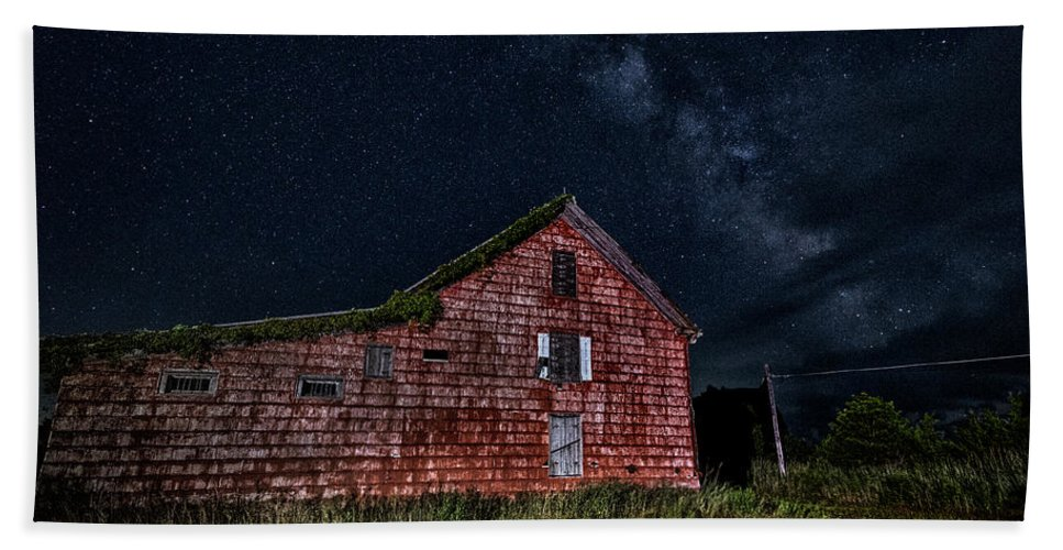 Maryland Beach Towel featuring the photograph Red House by Robert Fawcett