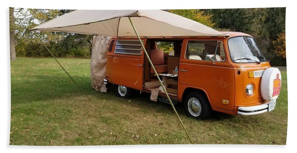 Volkswagen Bus T2 Westfalia Beach Towel featuring the photograph Volkswagen Bus T2 Westfalia by Jackie Russo