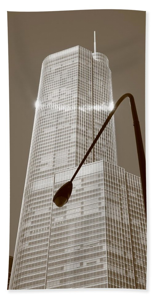 America Beach Towel featuring the photograph Chicago Skyscraper by Frank Romeo