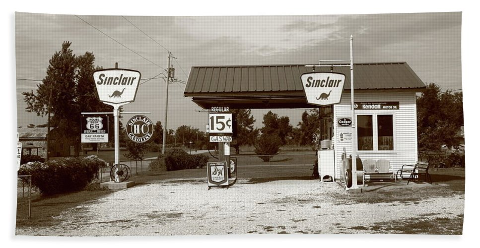 66 Beach Towel featuring the photograph Route 66 Sinclair Station by Frank Romeo