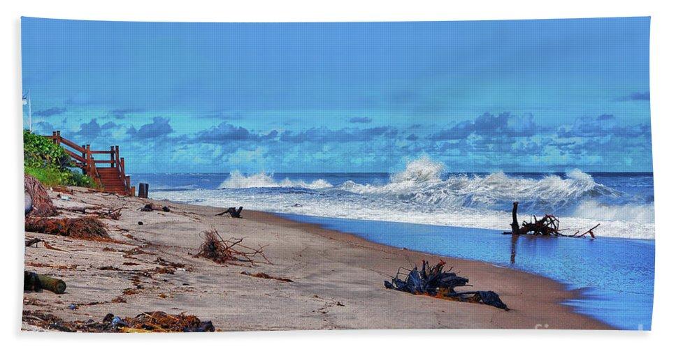 Singer Island Beach Towel featuring the photograph 58- Sapphire Surf by Joseph Keane