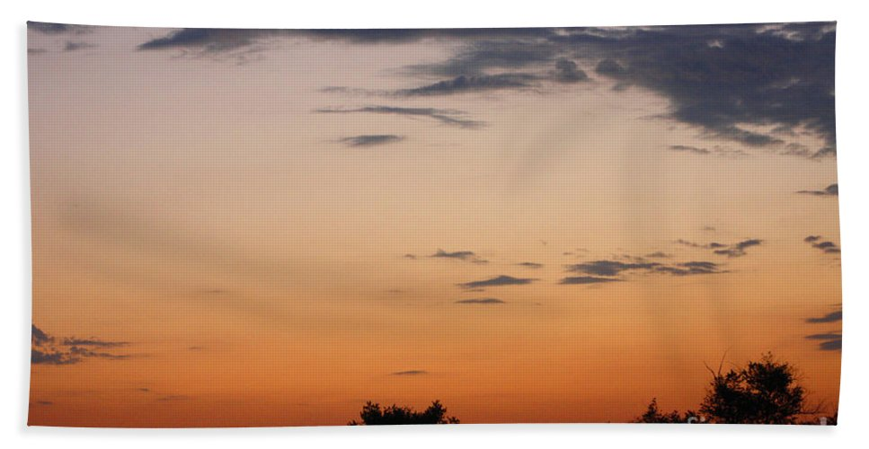 Sunset Beach Towel featuring the photograph Sunset Moreno Valley Ca by Tommy Anderson