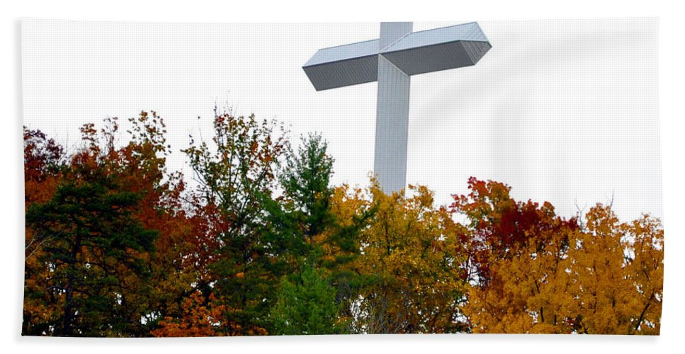 Smokey Mountain Beach Towel featuring the photograph A Cross In Tennessee by Brittany Horton