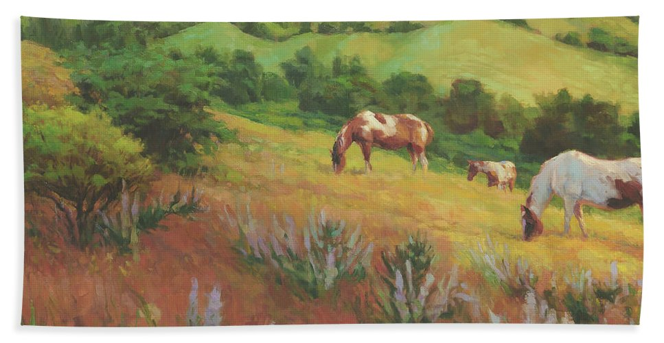 Horse Beach Towel featuring the painting A Peaceful Nibble by Steve Henderson