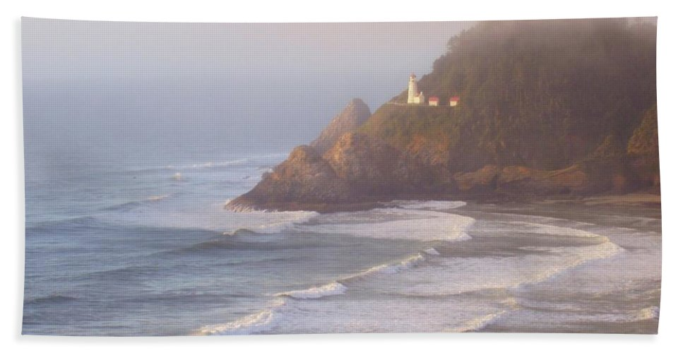 Oregon Coast Beach Towel featuring the photograph A Quiet Place by Deborah Crew-Johnson