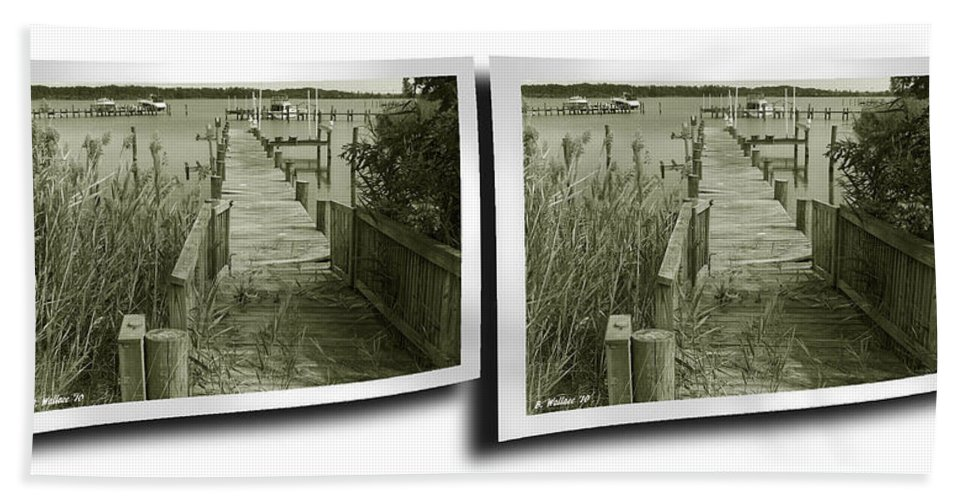 3d Beach Towel featuring the photograph Abandoned Pier - Gently Cross Your Eyes And Focus On The Middle Image by Brian Wallace
