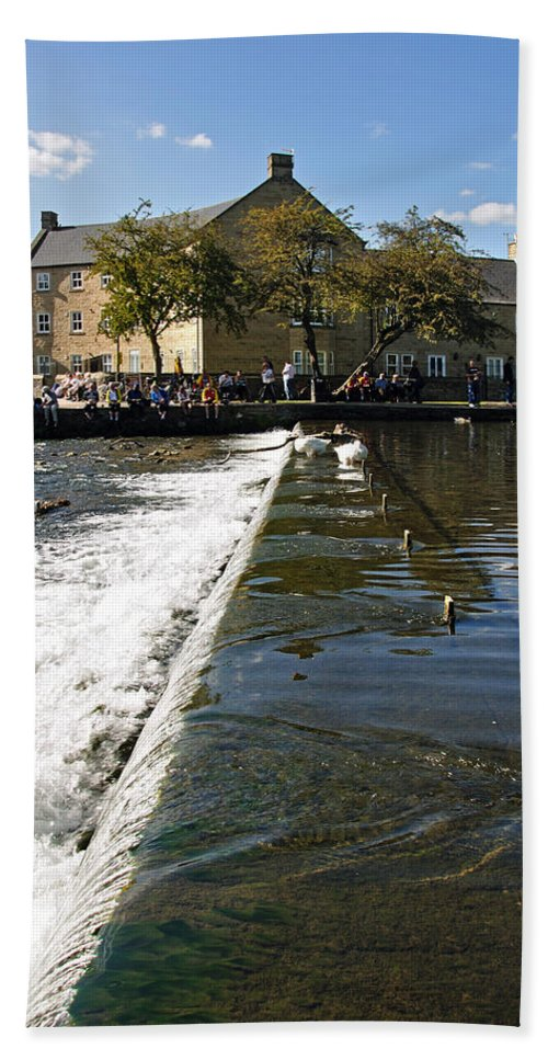 Bakewell Beach Towel featuring the photograph Across The Weir At Bakewell by Rod Johnson