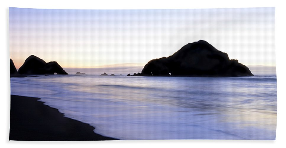 Elk Beach Beach Towel featuring the photograph After Glow At Elk Beach 1 by Bob Christopher