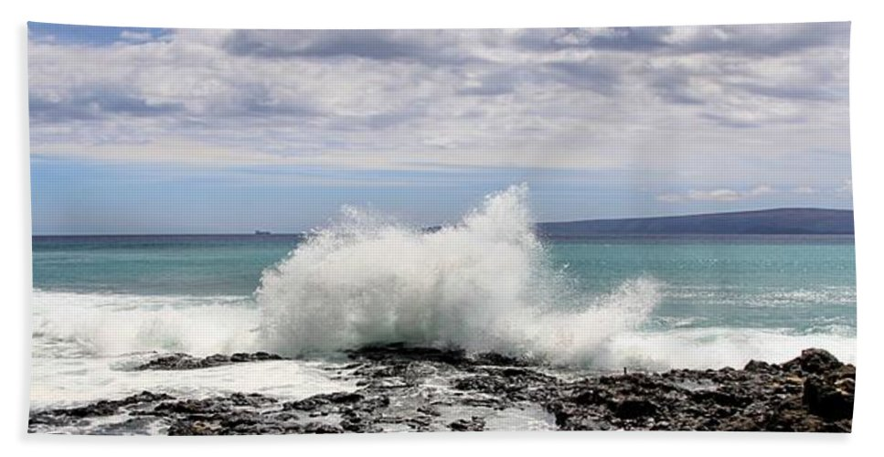 Djphoto Beach Towel featuring the photograph Ahihi Cove by DJ Florek