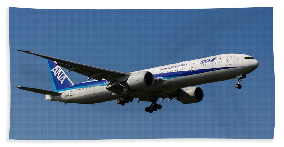 Ana Airline Beach Towel featuring the photograph All Nippon Airways Boeing 777 by David Pyatt