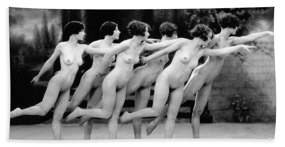 1920 Beach Towel featuring the photograph Allen Chorus Line, 1920 - To License For Professional Use Visit Granger.com by Granger