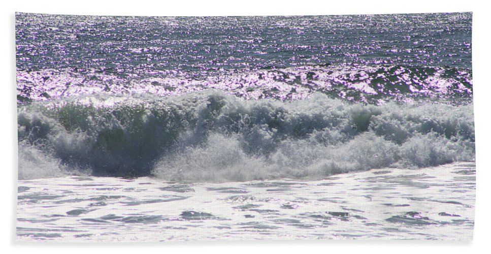 Pacific Ocean Beach Towel featuring the photograph Along The Costal Highway by Tommy Anderson