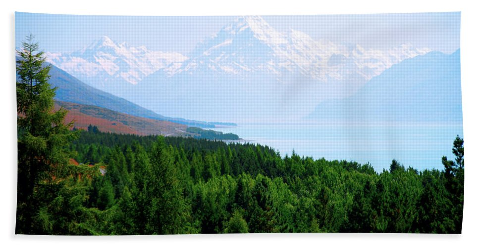New Zealand Beach Towel featuring the photograph Aoraki Mount Cook by Kevin Smith