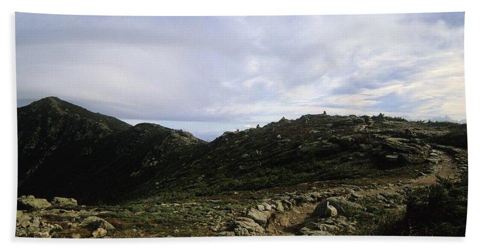 Appalachian Trail Beach Towel featuring the photograph Appalachian Trail - Mount Lincoln - White Mountains New Hampshire Usa by Erin Paul Donovan