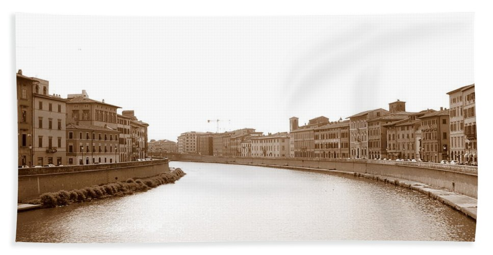 Arno Beach Towel featuring the photograph Arno River In Pisa by Laurel Best