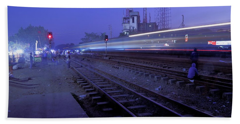 Bd Dhaka Railwaystation Arrival Dusk Beach Towel featuring the photograph Arrival At Dusk by Quazi Ahmed Hussain