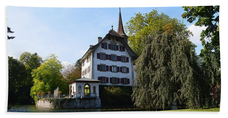 Landhut Castle Beach Towel featuring the photograph Castle In September by Felicia Tica
