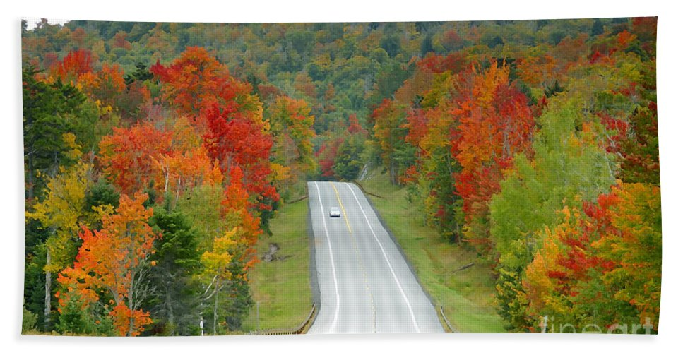 Autumn Beach Towel featuring the photograph Autumn Drive by David Lee Thompson