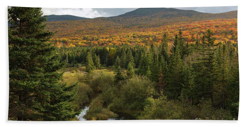 Autumn Beach Sheet featuring the photograph Autumn - White Mountains New Hampshire by Erin Paul Donovan