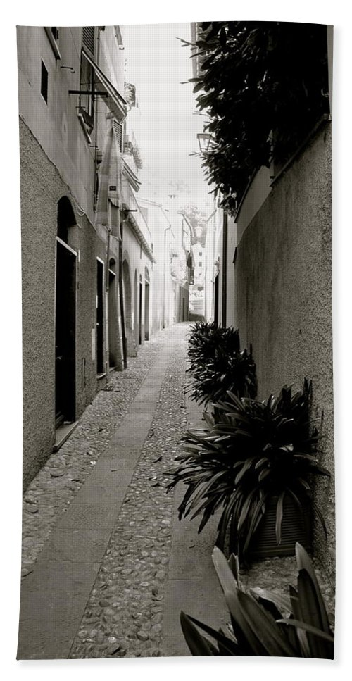 Back Alley Beach Towel featuring the photograph Back Alley by Corinne Rhode