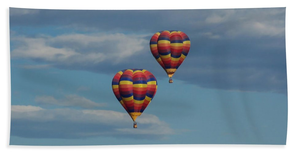 Balloons Beach Towel featuring the photograph Balloons Over The Rockies by Ernie Echols