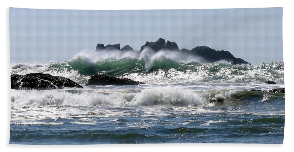 Bandon Beach Towel featuring the photograph Bandon 20 by Will Borden