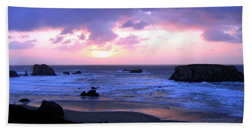 Bandon Beach Towel featuring the photograph Bandon 27 by Will Borden