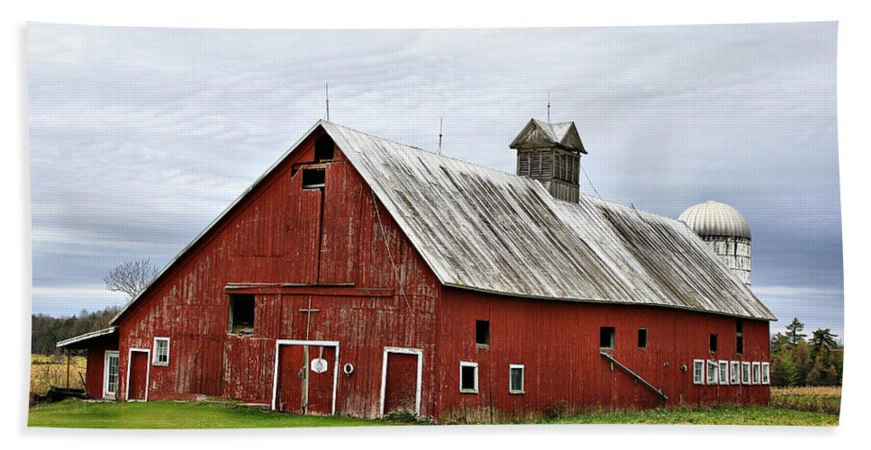 Barn Beach Towel featuring the photograph Barn With A Cross by Deborah Benoit