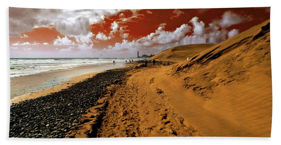 Red Beach Towel featuring the photograph Beach Under A Blood Red Sky by Rob Hawkins