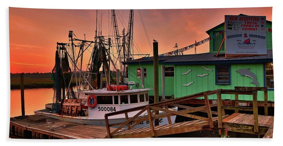 Full Moon Beach Towel featuring the photograph Beacon 1 Seafood by Terrah Hewett