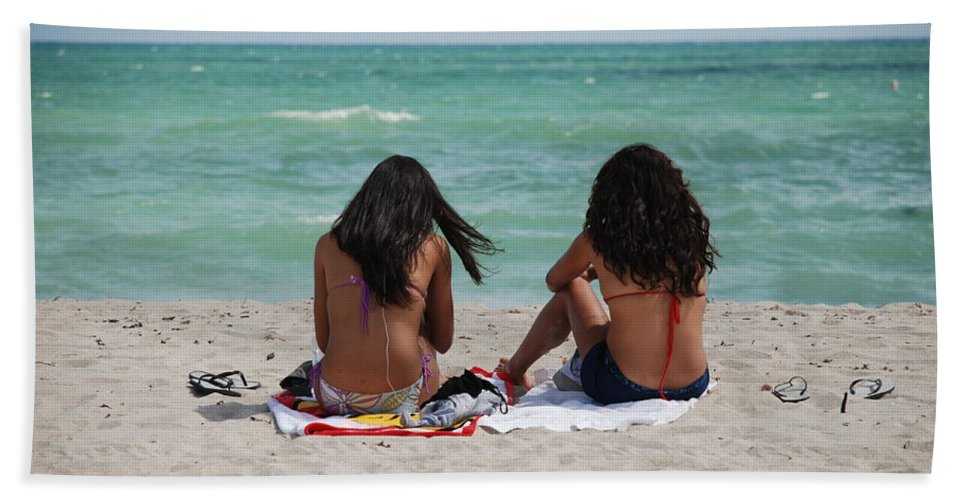 Women Beach Towel featuring the photograph Beauties On The Beach by Rob Hans