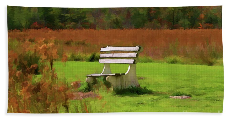 Seasons Beach Towel featuring the photograph Bench Fall Season by Chuck Kuhn
