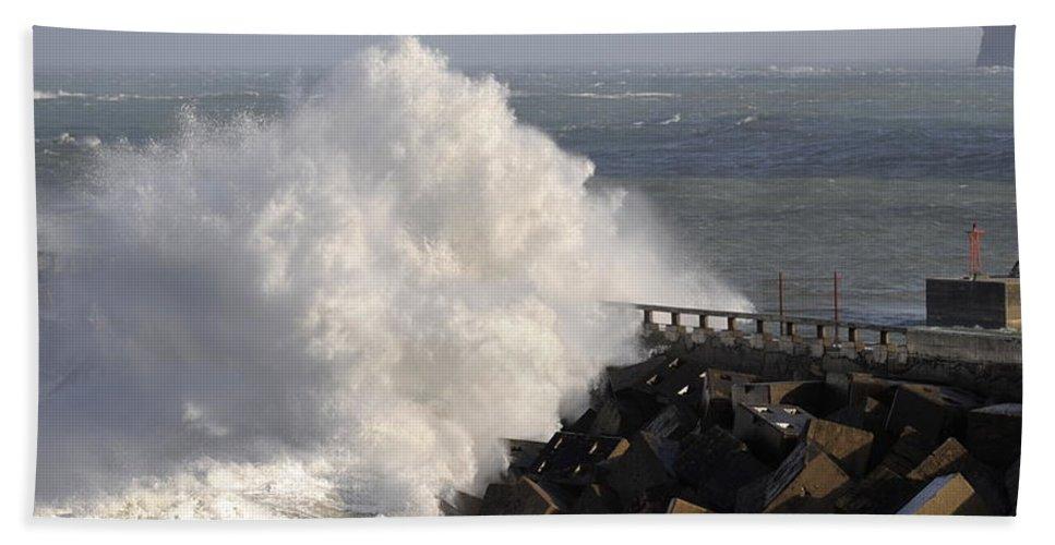 Spain Beach Towel featuring the photograph Big Wave by Rafa Rivas