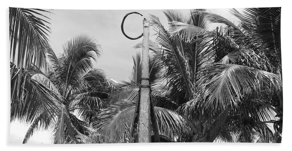 Black And White Beach Towel featuring the photograph Black And White Anchor by Rob Hans