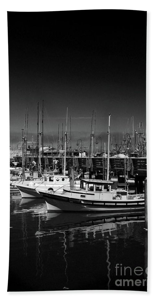 Fisherman's Wharf Beach Towel featuring the photograph Boats At Fisherman's Wharf - San Francisco by Christiane Schulze Art And Photography