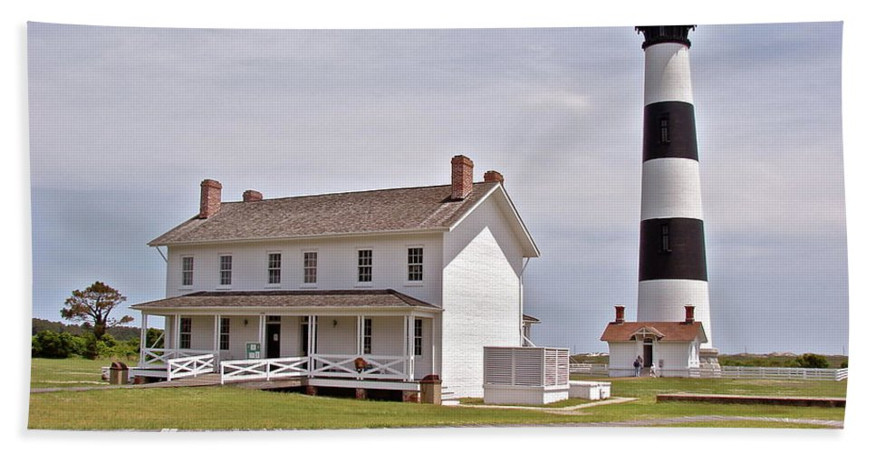 Bodie Lighthouse Beach Towel featuring the photograph Bodie Lighthouse Nags Head Nc by Brett Winn