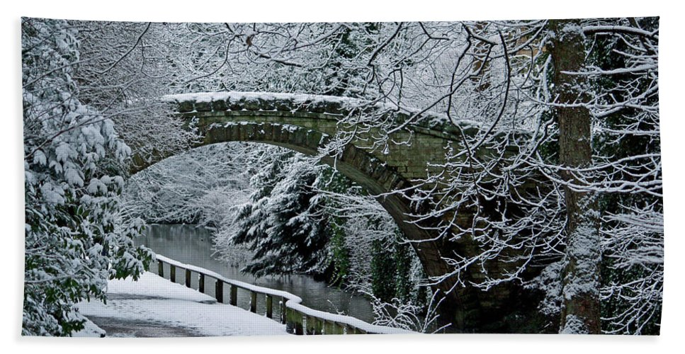 Stone Beach Towel featuring the photograph Bridge In Snow by David Pringle