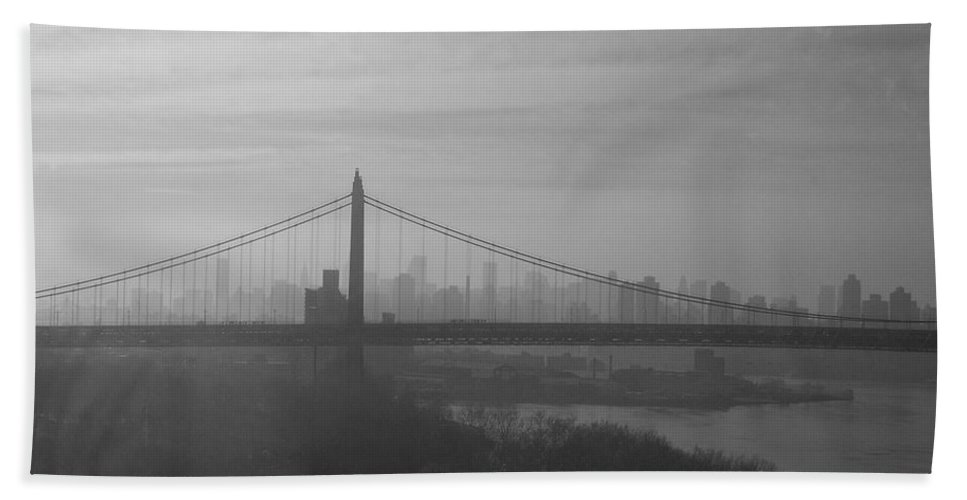 New York City Beach Towel featuring the photograph Bridge View by Paulette B Wright