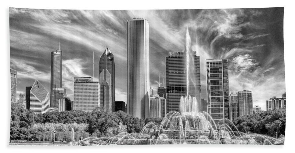Buckingham Fountain Beach Towel featuring the photograph Buckingham Fountain Skyscrapers Black And White by Christopher Arndt