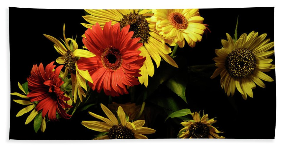 Sunflowers Beach Towel featuring the photograph Bunch by Wayne Sherriff