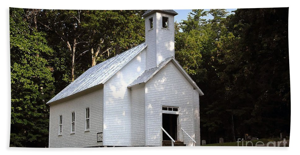 Baptist Beach Towel featuring the photograph Cades Cove Baptist Church by David Lee Thompson