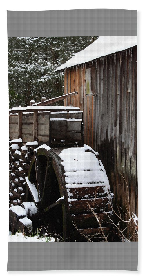 Great Smoky Mountains Beach Towel featuring the photograph Cades Cove Mill I by Margie Wildblood
