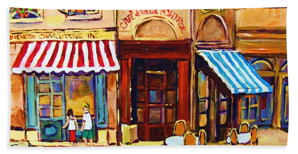 Old Montreal Outdoor Cafe City Scenes Beach Towel featuring the painting Cafe De Vieux Montreal With Couple by Carole Spandau