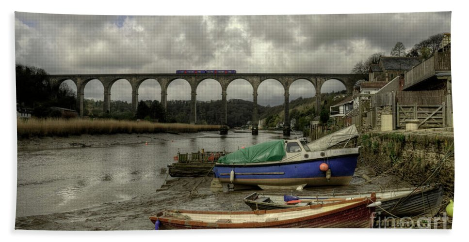 A Local Plymouth Gunnislake Service Slowly Makes Its Way Across The Spectacular Calstock Viaduct Over The River Tamar On The Devon / Cornwall Border Beach Towel featuring the photograph Calstock Viaduct by Rob Hawkins