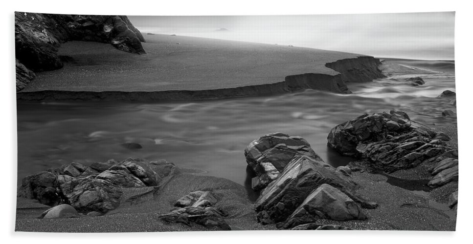 Oregon Beach Towel featuring the photograph Central Oregon Coast by Leland D Howard