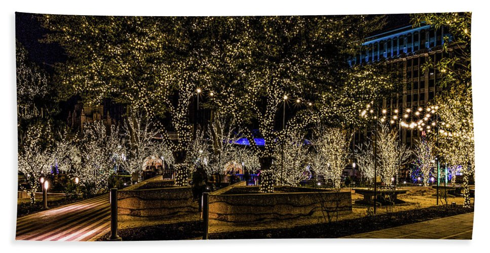 San Jacinto Plaza Beach Towel featuring the photograph Christmas Lights by Subhadra Burugula