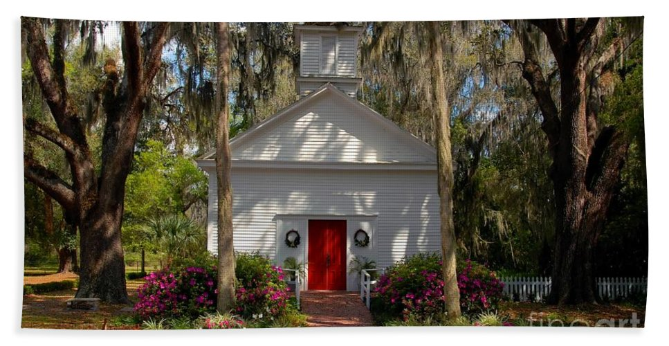 Micanopy Florida Beach Sheet featuring the photograph Church At Micanopy by David Lee Thompson